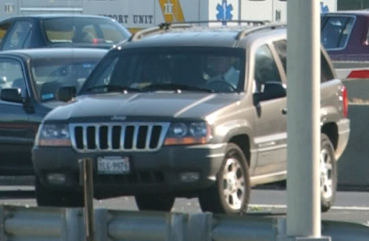 Likely federal agent in Jeep Cherokee near staged Pentagon cab scene